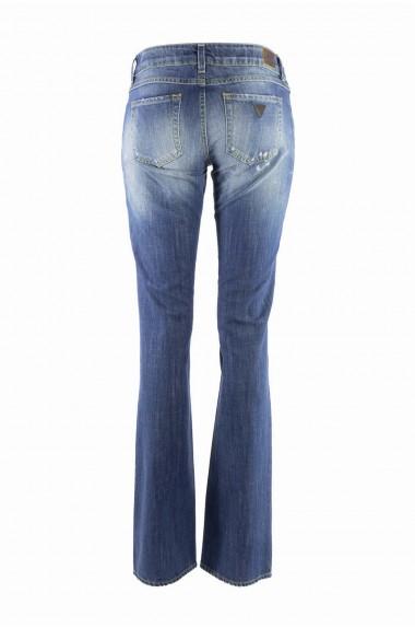 Blu Jeans  a zampa da donna...